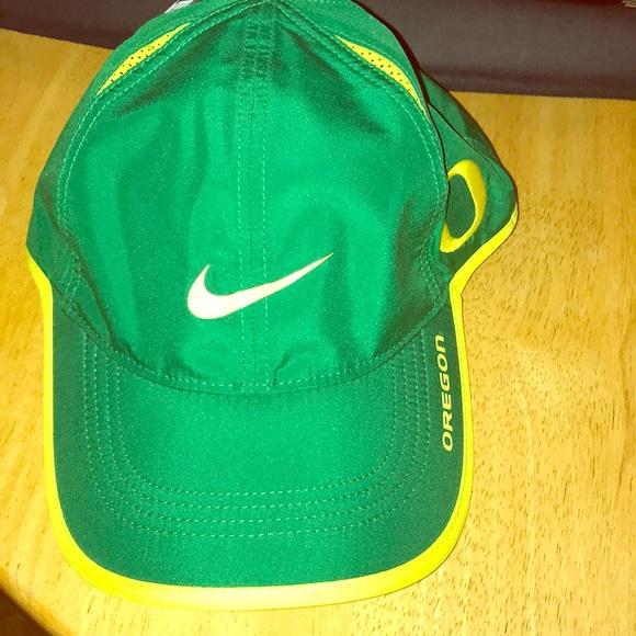 cheap for discount 9498f 2e80e New NCAA featherlight Oregon ducks nike ball hat
